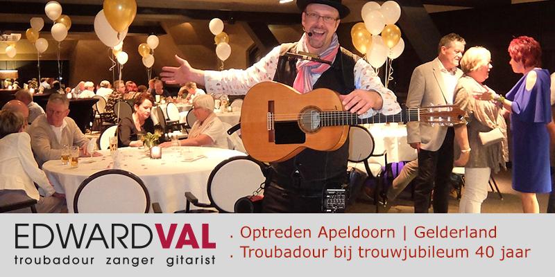 Ugchelen-Van-der-Valk-Hotel-Cantharel-Troubadour-zanger-gitarist-Edward-Val-Optreden-huwelijksjubileum-Feest-Apeldoorn-Mobiele-gitarist-Rondlopende-muzikant