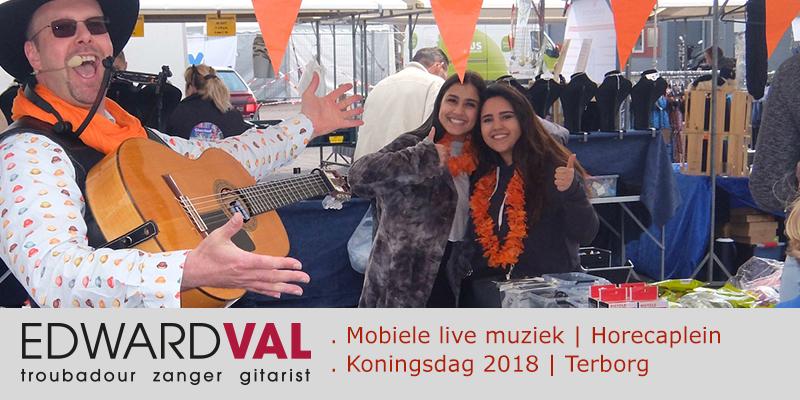 Zanger-gitarist-feest-Oranjecomite-Terborg-Koningsdag-Markt-braderie-Mobiele-live-muziek-boeken