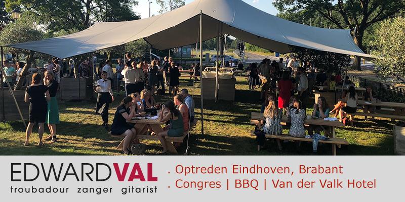 Zanger-gitarist-feest-Congres-Van-der-Valk-Eindhoven-BBQ-Mobiele-live-muziek-Edward-Val-boeken