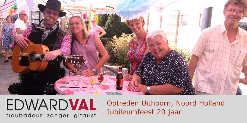 Zanger-gitarist-inhuren-feest-Uithoorn-Noord-Holand-Woonzorg-Zijdelveld-Jubileumfeest-Mobiele-live-muziek-Edward-Val-boeken