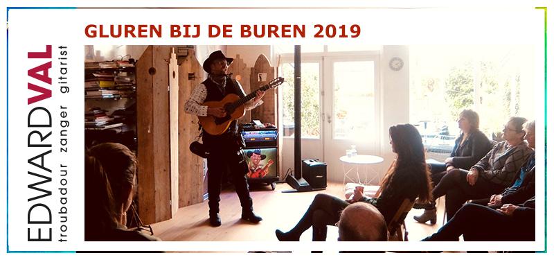 Troubadour zanger gitarist Edward Val Gluren bij de Buren Nijkerk Huiskameroptreden Muziek Cabaret | 06