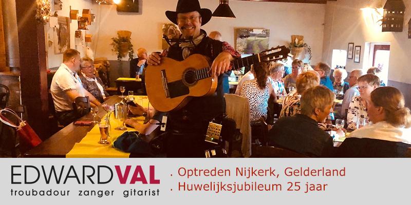 Landwinkel De Maaneschijn | Optreden zanger gitarist troubadour Edward Val | Appel Nijkerk | Live muziek inhuren | Entertainer boeken | 00