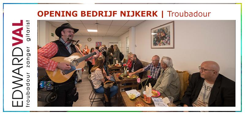Opening locatie GGZ Centraal Welkom | Troubadour Edward Val zingt gasten toe