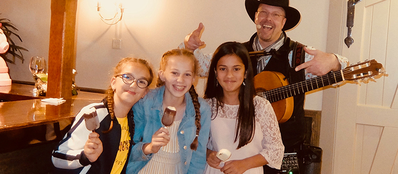 kinderen feest familie entertainer artiest kids edward val troubadour inhuren tips referentie