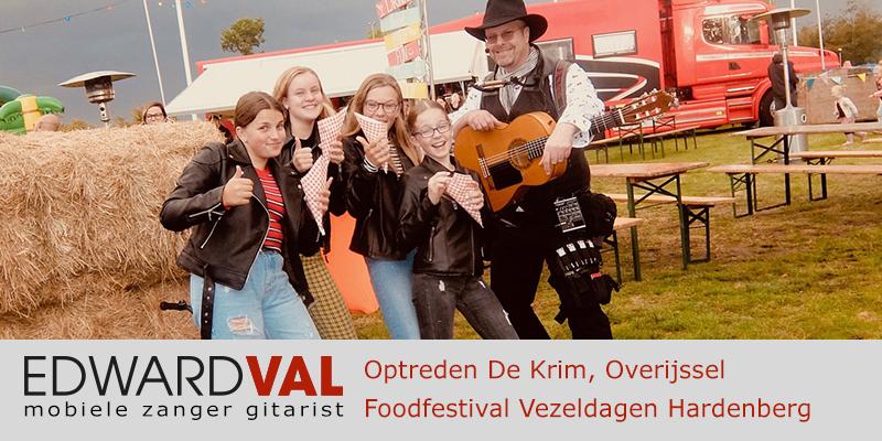 De Krim Hardenberg Vezeldagen 2019 Troubadour Edward Val Nijkerk Mobiele live muziek zanger gitarist boeken Overijssel