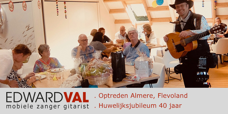 Feest Almere Troubadour zanger gitarist Edward Val Eksternest
