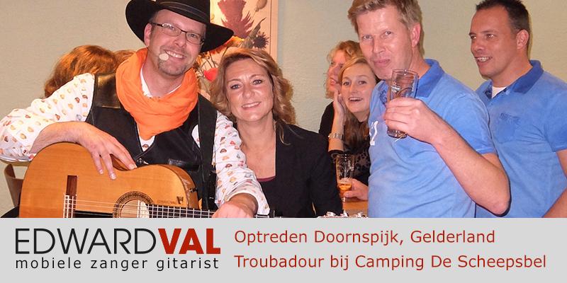 Gelderland | Doornspijk camping scheepsbel trouwjubileum 25 jaar Optreden troubadour inhuren bedrijfsuitje zanger gitarist Edward Val familie feest boeken