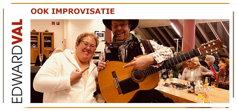 Troubadour improvisatie liedjes Haarlem-Amstelveen-Heemstede-Zandvoort-Noord Holland grappig zanger Edward Val persoonlijk in zonnetje