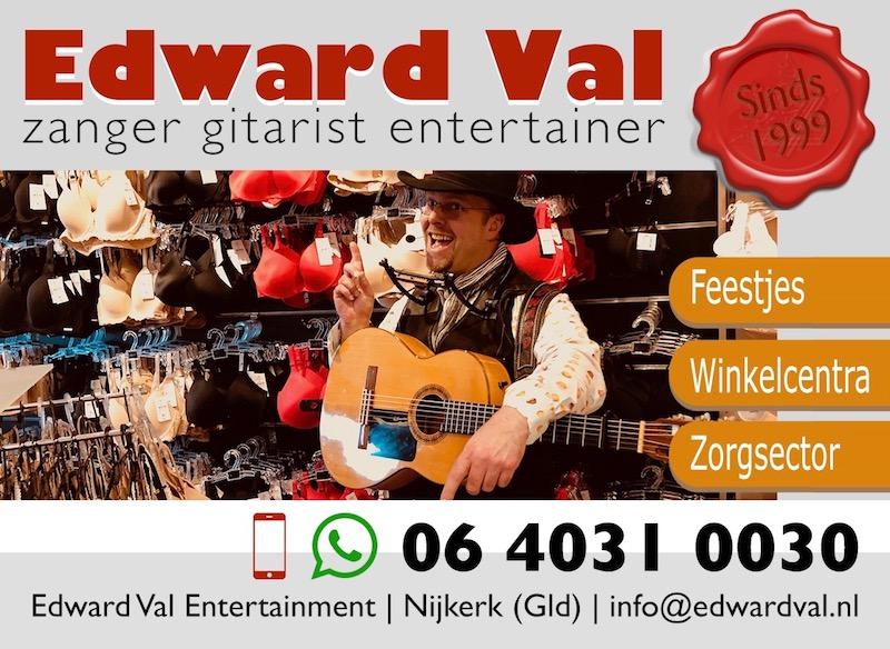 zanger gitarist troubadour edward val nijkerk optreden winkelcentrum mobiele rondlopende animatie act live muziek zang gitaar leuke interactie humor gelderland utrecht